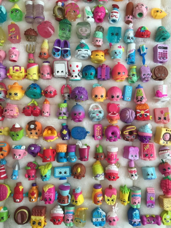 2016-Hot-Sell-Shopkins-Toy-Latest-Shopkins-Season-1-2-3-4-Ultra-Rare-Special-100packs